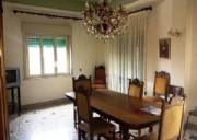 4 appartamenti   uno con terrazzo in graziosa palazzina con prospetto rifatto