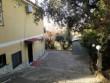 Praticamente in città in contesto referenziato Villa su due livelli + terreno