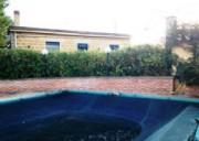 Caratteristica abitazione con piscina immersa nel verde